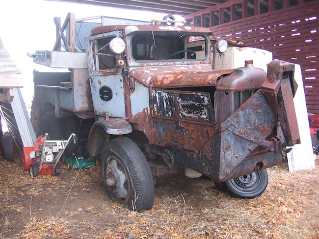 http://www.badgoat.net/Old Snow Plow Equipment/Truck Collections/Leo Frank's Truck Collection/GW650H488-2.jpg